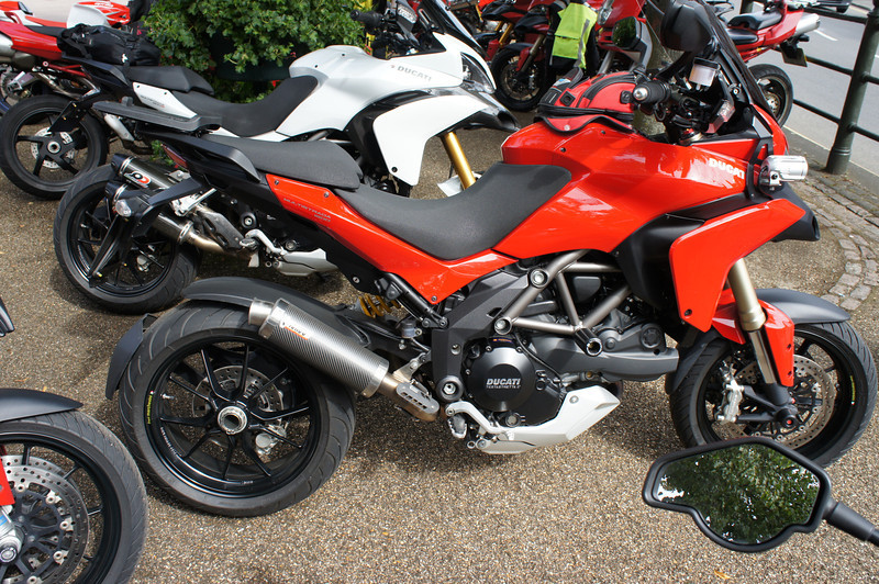 """11/17: Multistrada Meet & Rideout 01Sep2012 (from Benson, Oxfordshire). 22 Bikes - 10 x MTS1200, 6 x MTS1000/1100, 1 x MTS749!! and 5 others. See here: <br />  <a href=""""http://ducatiforum.co.uk/f6/benson-buckingham-multi-run-%96-10am-saturday-1st-september-4089/"""">http://ducatiforum.co.uk/f6/benson-buckingham-multi-run-%96-10am-saturday-1st-september-4089/</a>"""