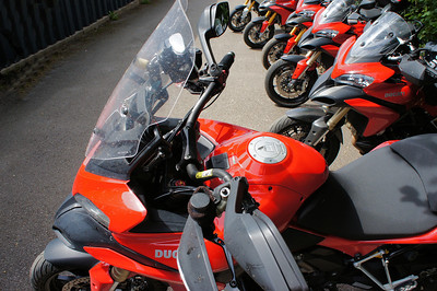 ProTaper high bars (2/3: 'Coman') 6/9: Multistrada 1200 owners - Popham Airfield Sat 11 August 2012: 5 red and one white (AndyW,  Kirky, doodle, Longwayhome, Coman and Bugsbunny). Small numbers again, short notice of meet and a Saturday. First rideout, short trip from the Airfield cross country to Snells Ducati.
