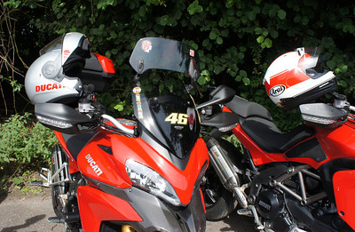 MRA X-creen (X-Screen) ('Longwayhome') 4/9: Multistrada 1200 owners - Popham Airfield Sat 11 August 2012: 5 red and one white (AndyW,  Kirky, doodle, Longwayhome, Coman and Bugsbunny). Small numbers again, short notice of meet and a Saturday. First rideout, short trip from the Airfield cross country to Snells Ducati.