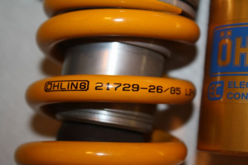 6/6 - OHLINS TTX rear shock assembly from a 2010 DUCATI MULTISTRADA 1200S TOURING:<br /> OHLINS TTX EC REAR SHOCK ABSORBER / OHLINS DU 8600, Ducati PART NUMBER: 36520952A - as fitted to: MULTISTRADA ABS TOURING 1200S, MULTISTRADA ABS SPORT 1200S & Multistrada 1200S Pikes Peak