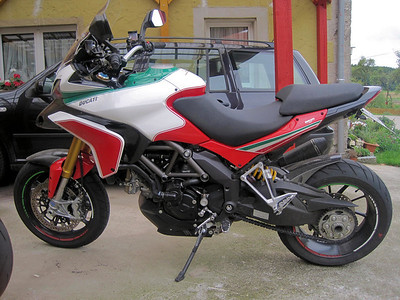 2/7: Multistrada 1200 Tricolore / Trikolore from www.italienische-motorraeder.de Photos by http://ducatimultistrada.eu member Gabi S aka 'Don' See:  Multistrada 1200 Info & Resources