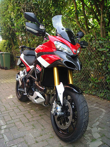 2/6 - another When is a Pikes Peak Multistrada not a PP Multistrada? Multistrada 1200 May2011 - Tony's (aka 'tja451') Multistrada 1200S Sport with custom paint by Dream Works (all panels painted and lacquered) Update: now owned by Multistrada.net member 'Twin4Me'