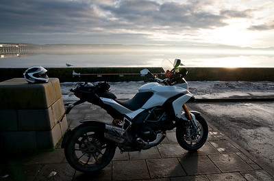 Photos from Ducati.ms forum member 'miloVanMultistrada' (aka Miles) of his Multistrada 1200. Low sun at the Tay Bridge