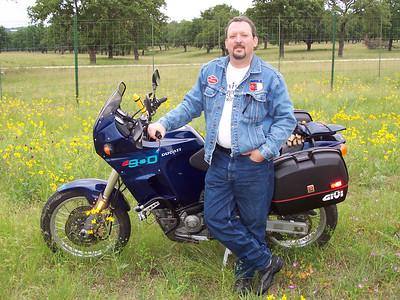 Chris & his Ducati Elefant.