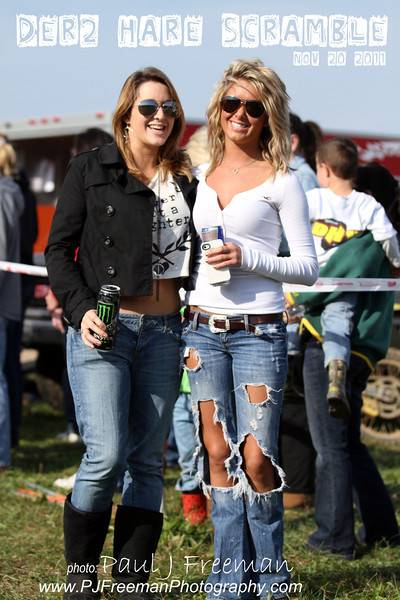 Race fans of the week..  hey girls - send me an email if you want a free poster of your pic!