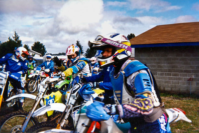 Pushing to the start line at the Shelton Valley enduro - 1996