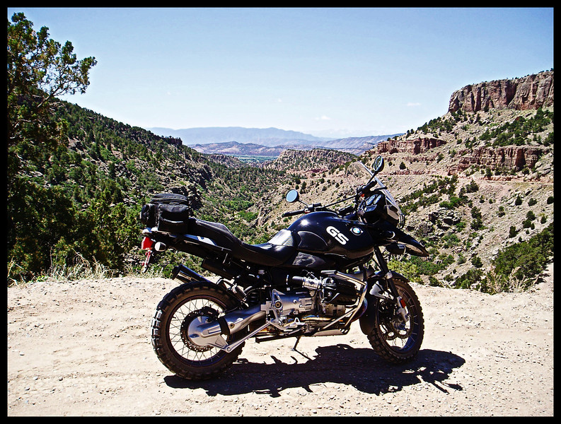 GS Adventure on the Shelf Road