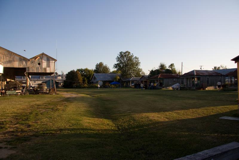 The inner grounds at the Shackup Inn