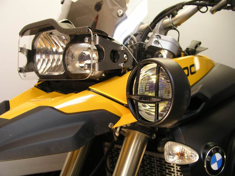 """F800GS LightBar   IPF S6313 4"""" amber light Bar mounted in the upper position  LightGuard shown in background"""