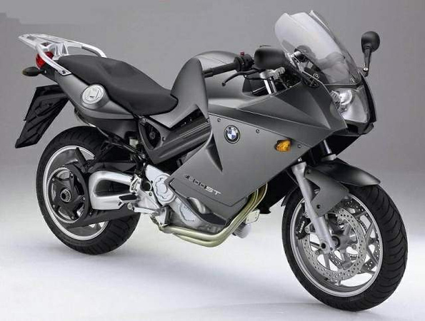 "F800ST, 2006-2009. Similar to F800S, except larger fairing and a more upright seating position. Wet weight 461 lb, top speed ""over 125"" mph. ""ST"" stands for ""Sporttourer.""<br /> <br /> 2009, available factory-lowered."