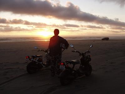 Honda Ruckus     Long Beach, WA   Sunset