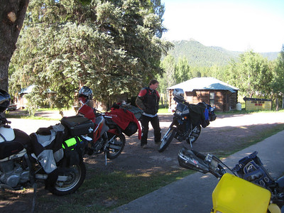 Saw some KLR guys having b'fast at Mama Bear's in Alpine, AZ.