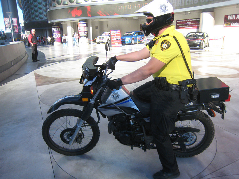 Las Vages moto-cop on a Yamaha 225