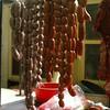 Mercado, Chorizos y longanizas de cerdo.