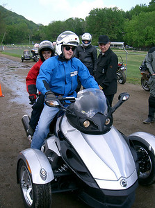 Shane and his daughter take the spyder out for a ride.