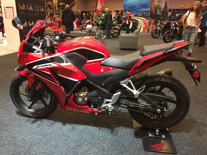 Honda CBR300R 300 CC