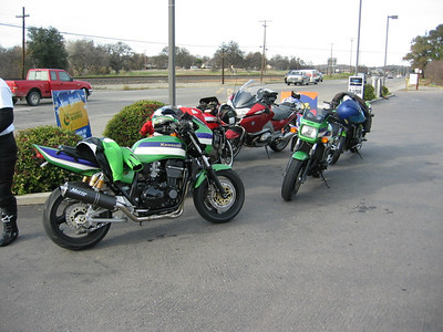 Back at the Adobe Mini Mart in Red Bluff after a fine day of riding Hwy 36.