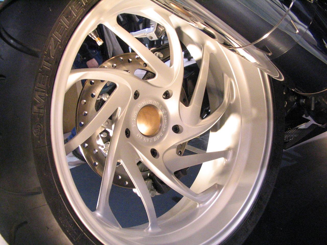 The jewel-like rear wheel of the new K1200S.
