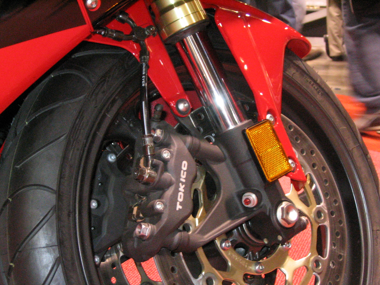 2005 600RR front end -- probably the best Honda bits for a complete Hawk front end transplant, at the moment anyways.