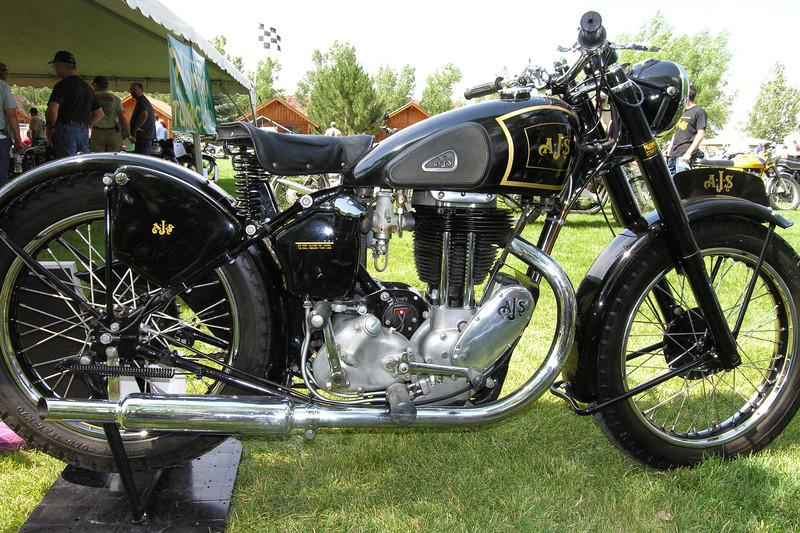 AJS Model 18<br /> 500cc single, c.1946