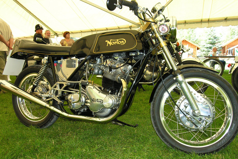 Norton 750 Dunstall Commando