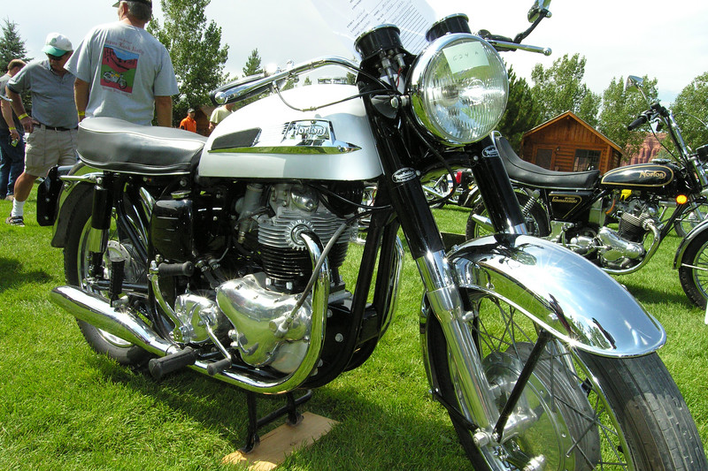 Norton 750 Atlas
