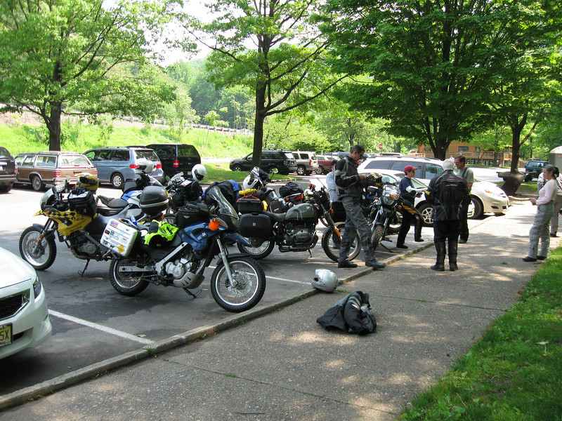 Stickman, RkyMtnMan, ToddF650classicdel, momentumrocks, Captain F650, Kit, smf and Ike at the last rendezvous point of the ride.