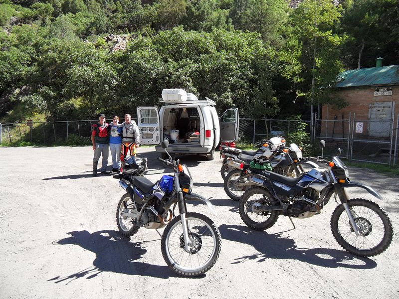 Our mini XT group assault begins at the base of Camp Bird Rd.  Left to right - Muniac, Jeannie and cousin Gary.  Bike years are 2003, 2003, 2005 & 2006.  All bikes are geared down.