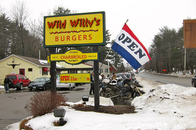 Wild Willy's Burgers, Rochester NH