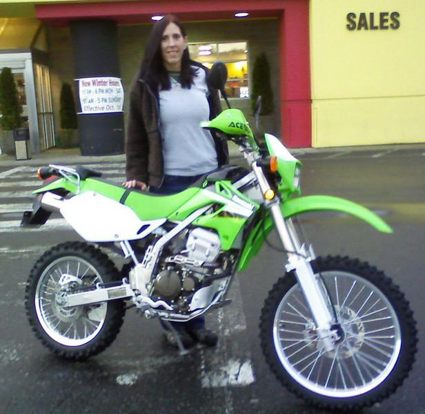 Melissa's new bike!  2006 KLX250S  dual-sport.