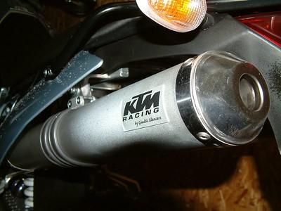 KTM 950