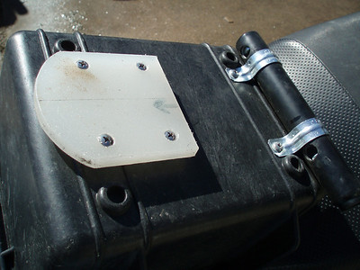 For the tank box, I employed a mounting method similar to the top case.