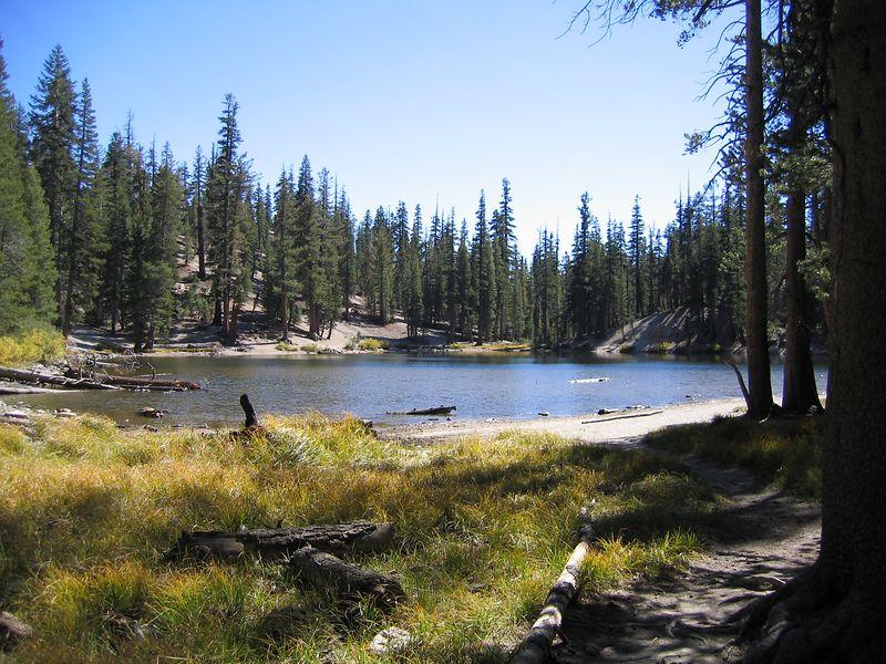 A small mountain lake near the Post Pile.