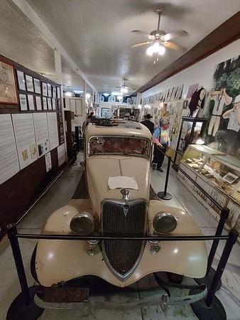 Bonnie & Clyde Ambush Museum