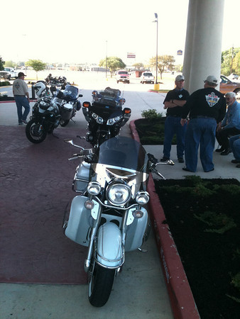 Getting ready for a Friday evening ride up to Bellville to the rally site at the Coushatte Ranch RV Park.
