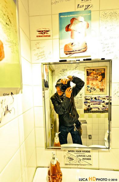 Nel bagno del Mooneyes Cafè, Yokohama 12/2010