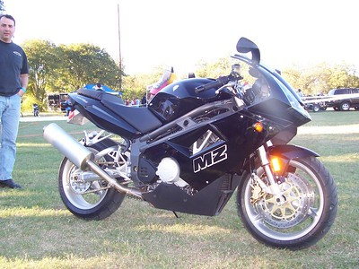 MPH Cycles in Houston brought this new MZ 1000 twin. It was just delivered by the importer, so I think it must be one of the first in the country.