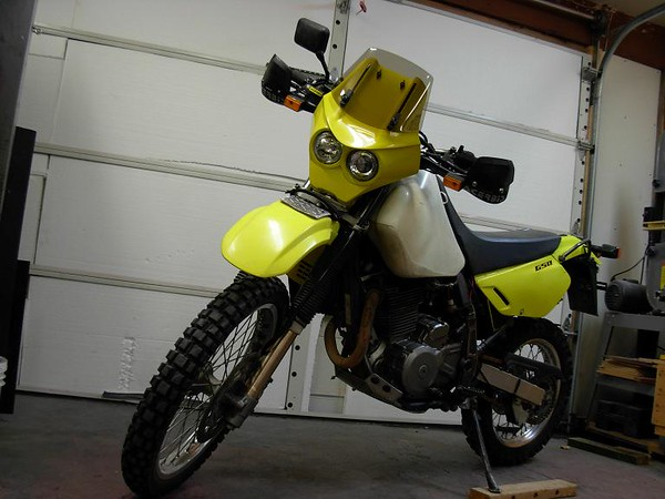 This is a picture that Ian Britannia sent me showing the Lynx fairing mounted on a Suzuki DR650.  The windshield is in the bottom-most position.