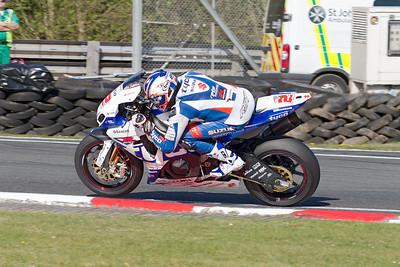 2 Josh Brookes, Suzuki 1000, Tyco Suzuki, Britten's, MCE British Superbike race 2.