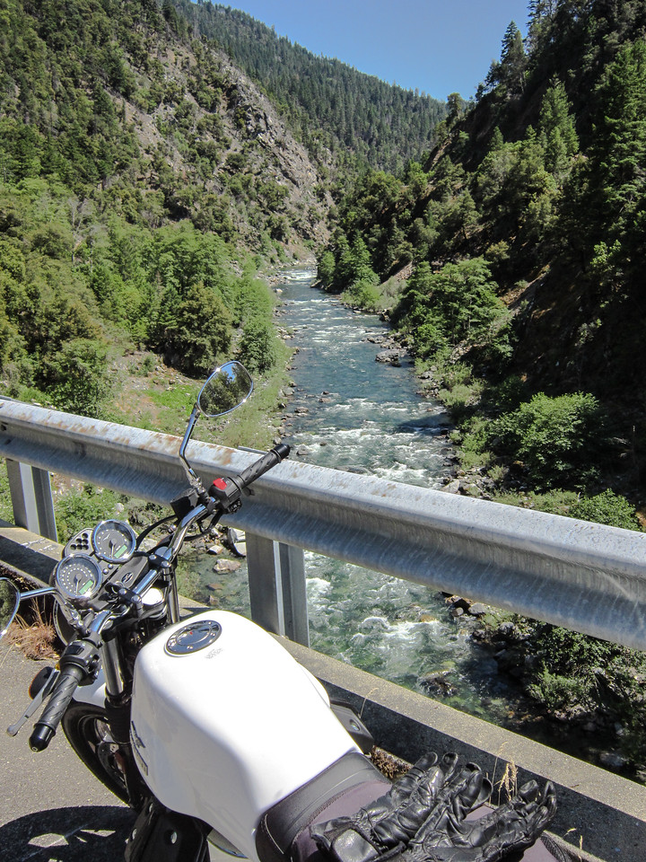 Nearing the mother river - the Klamath.