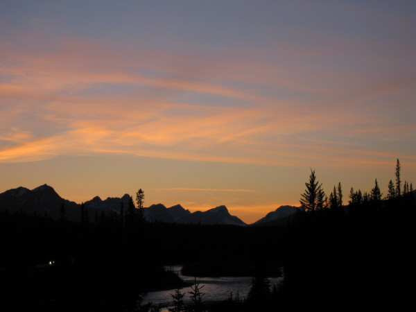 On the way back to Lake Louise - obligatory sunset shot.