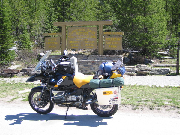 Obligatory bike shot at the continental divide.