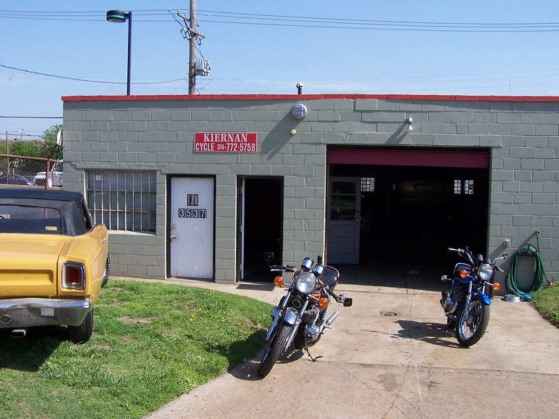 Last month I had the pleasure of meeting with Mike Kiernan of Kiernan Cycles. His shop is located at 3537 Chouteau near the corner of Chouteau Ave and S Grand Blvd. (Next Door to Captain D's)