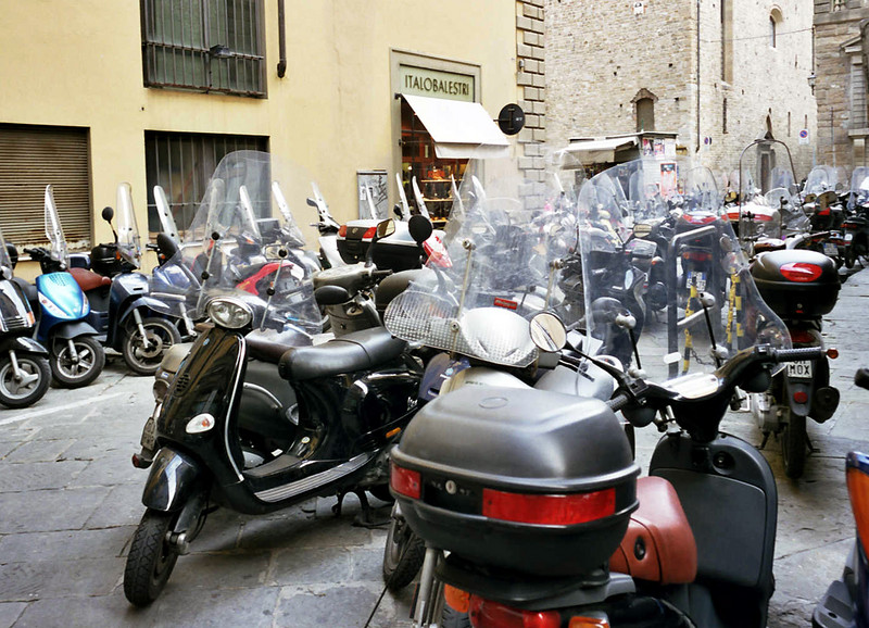 <b>Scooters in Florence</b><br>In a city that accommodates them, scooters and motorcycles can be part of a balanced transportation plan.
