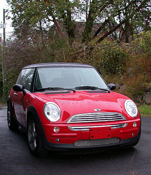 <b>Our Mini Cooper II</b><br>Fun to drive!