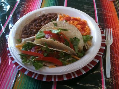 Taco plate at Taqueria Tres Caminos in Mason
