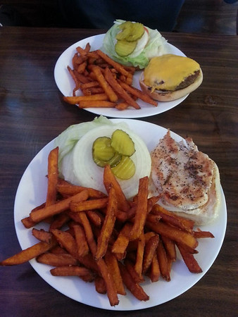 Mike had a burger and I had a grilled chicken sandwich at the Stagecoach Inn.  Both had sweet potato fries.  Very good.