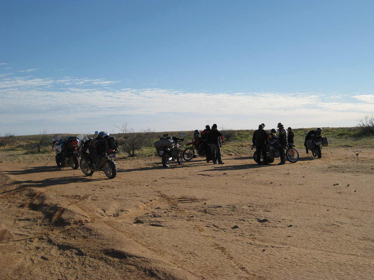 Met up with some guys from Adelaide, apparently we had camped about 10 kms apart.