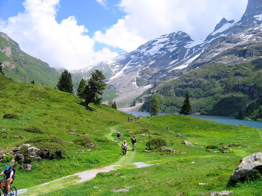 Swiss Picnic Spot - Engstlensee