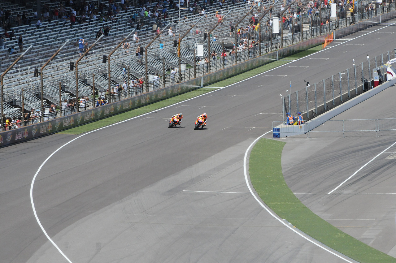 Stoner getting the pass on Pedrosa at just under 200mph